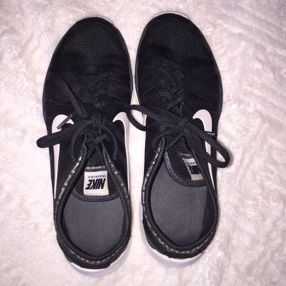 Nike Shoes - Women's Black Chevron Nike Flex Supreme TR 3